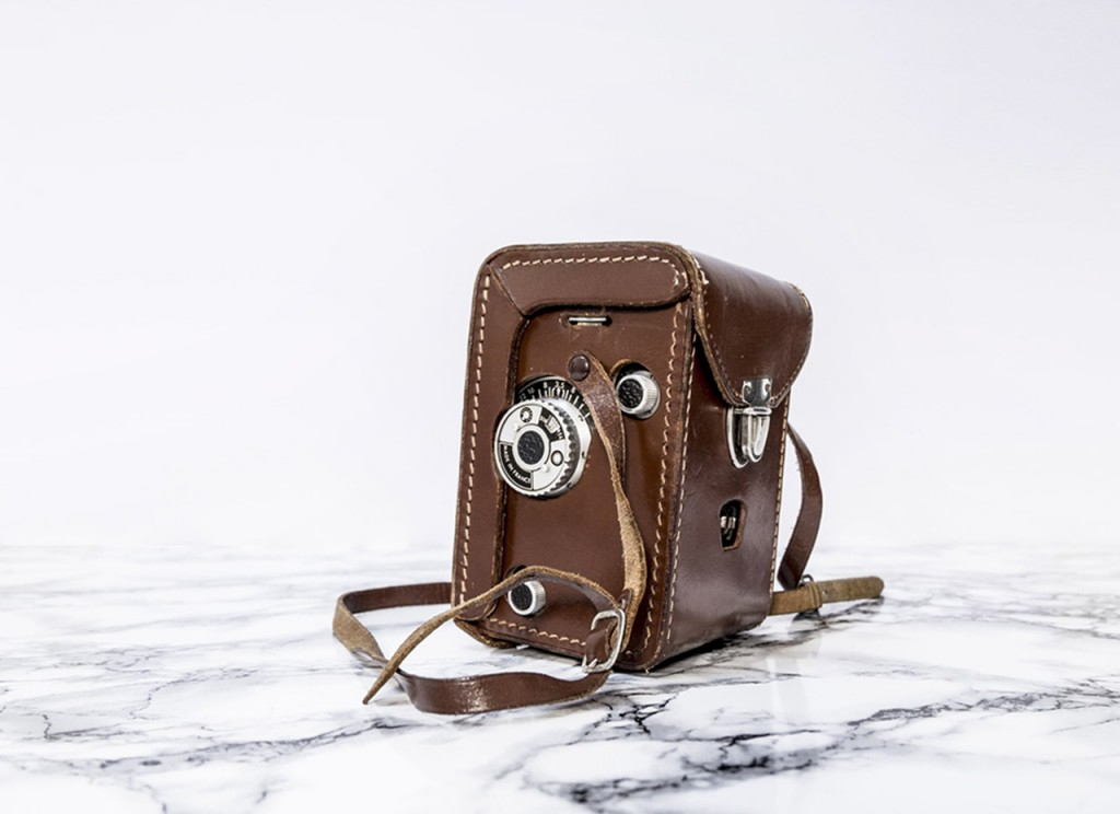 Photographic camera vintage, brown leather case