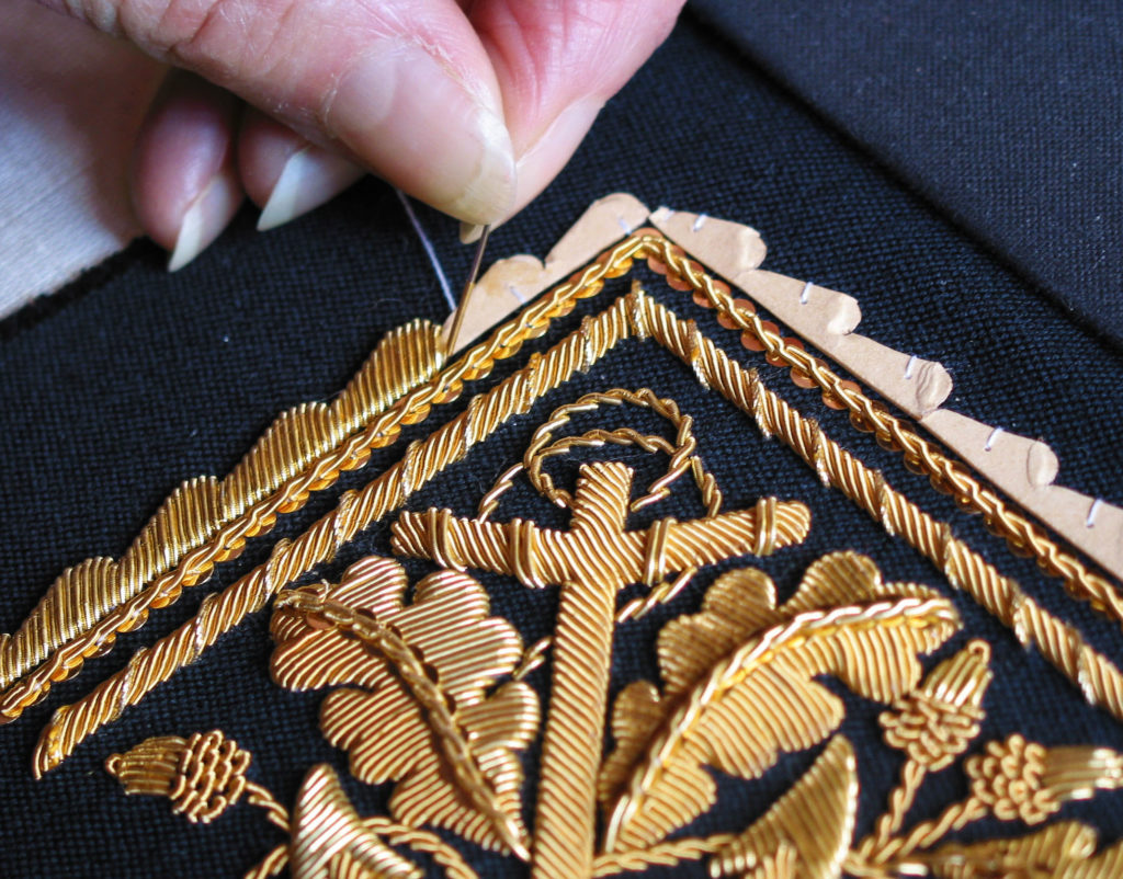 Broderie Or Militaire